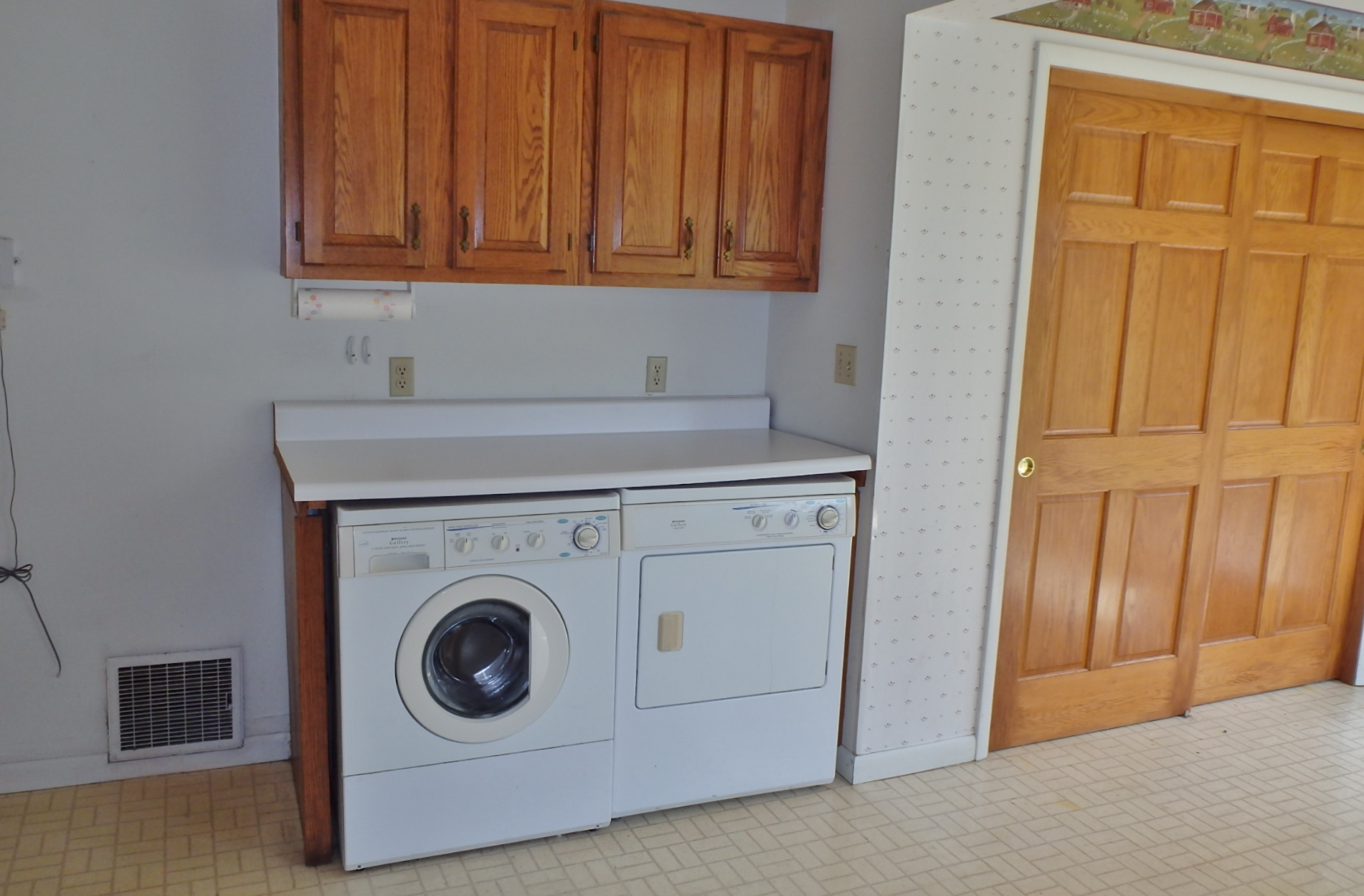 Laundry photo of 158 W. Ridge Lane