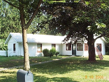 Photo of the 2-bedroom house for rent at 1709 E. Branch Road.