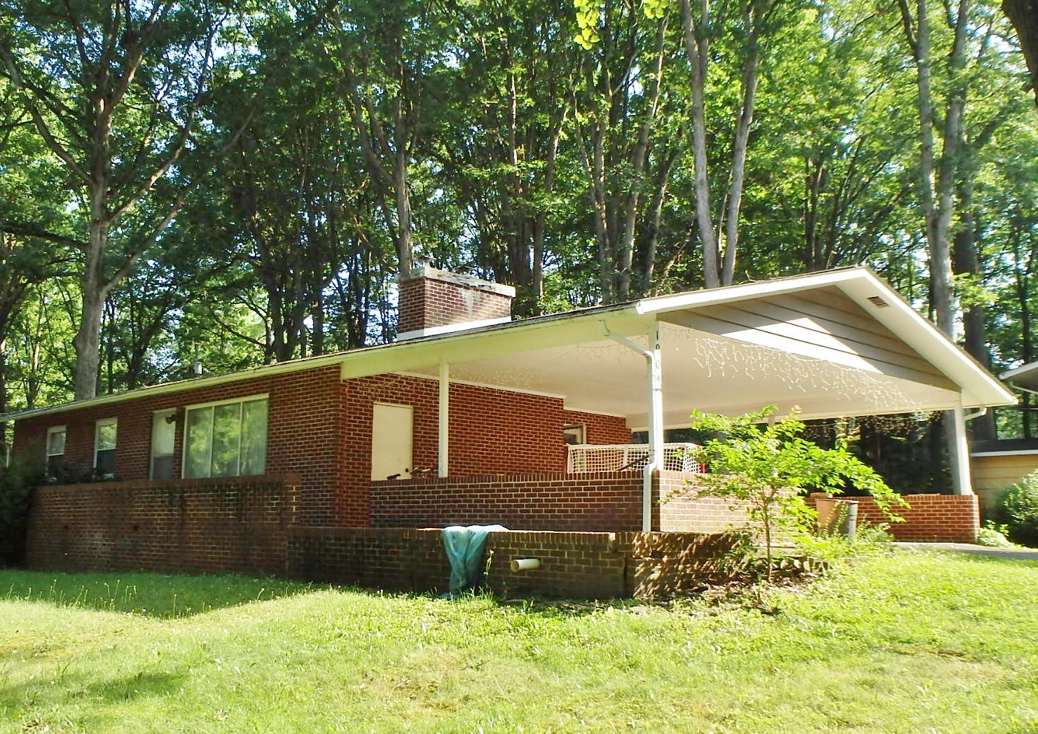 Featured photo of the 3-bedroom house for rent at 1904 N. Oak Lane, State College PA.