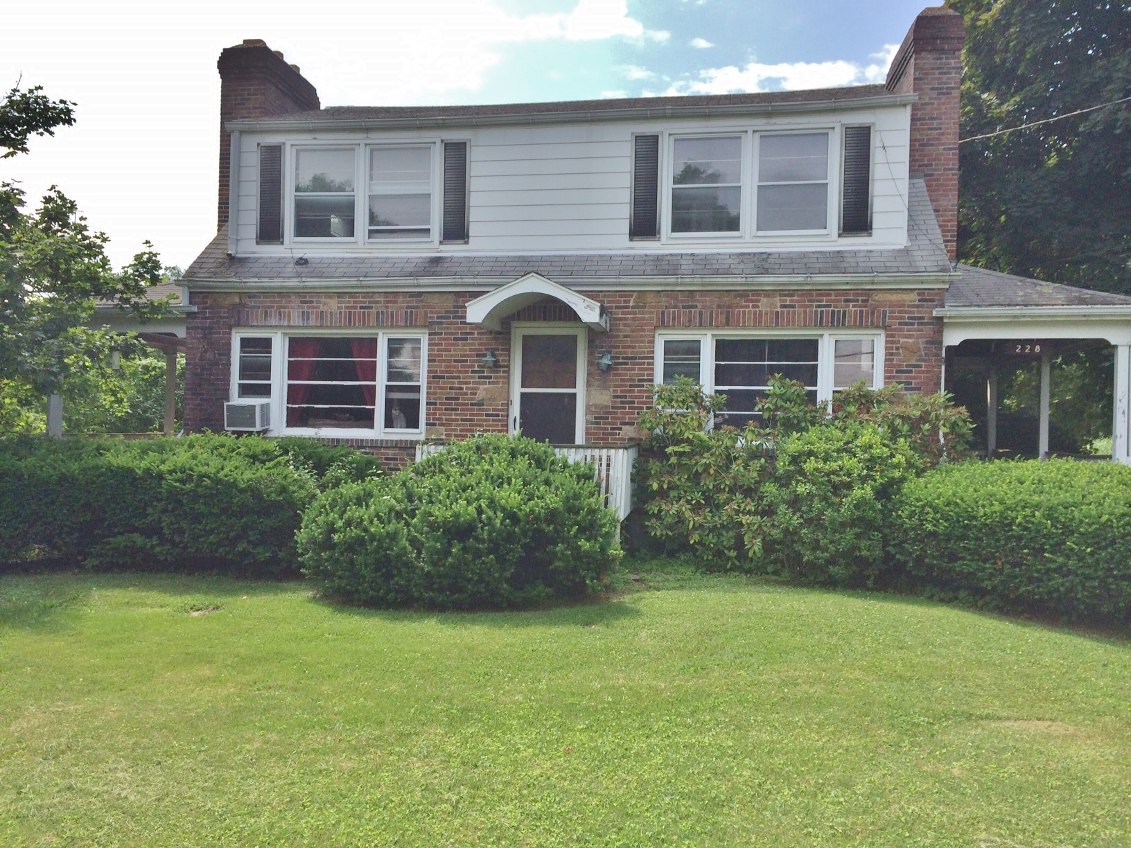 2-bedroom duplex for rent at 228 and 230 E. Whitehall Road, State College, PA.