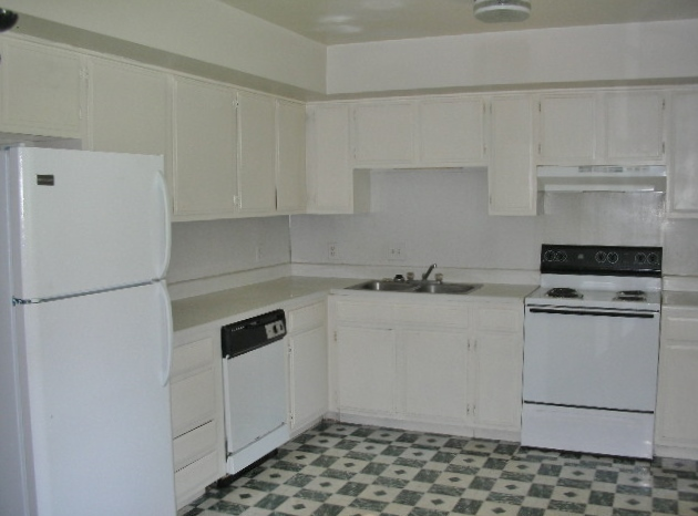 Kitchen photo at 291 Easterly Parkway.