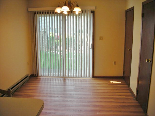 Dining room at 918-6 Southgate Drive.