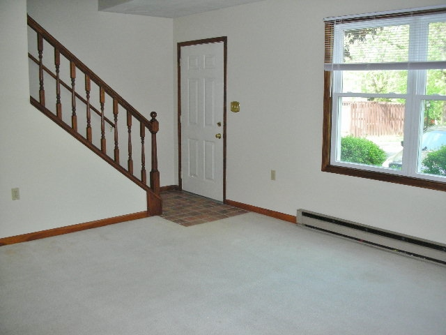 Living room at 918-6 Southgate Drive.