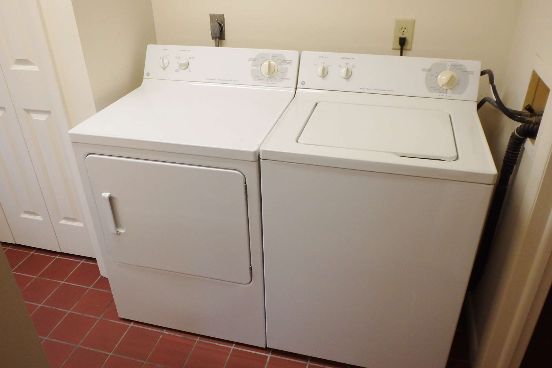 3112 Shellers Bend Laundry