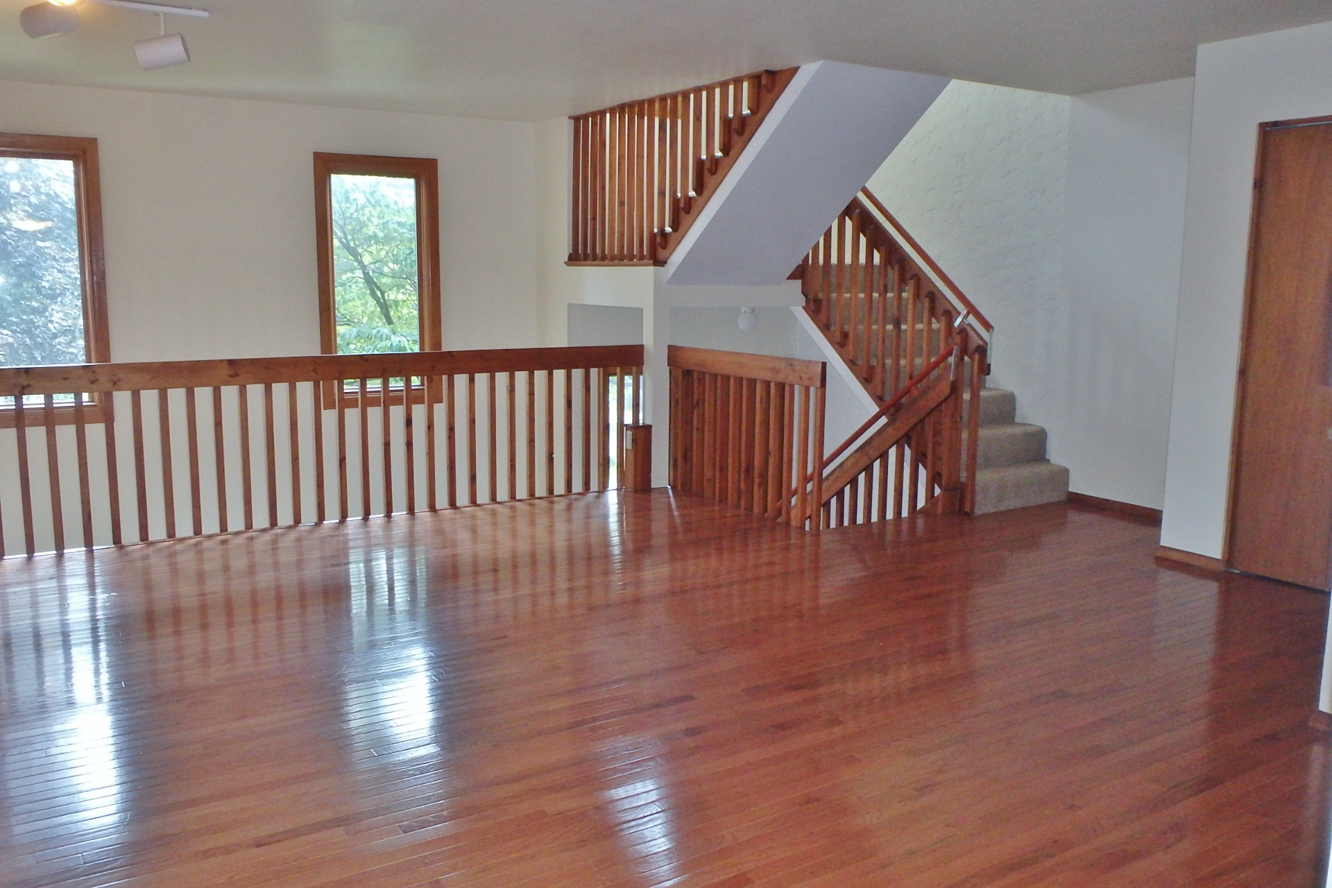 Staircase photo at 862 W. Aaron Drive.