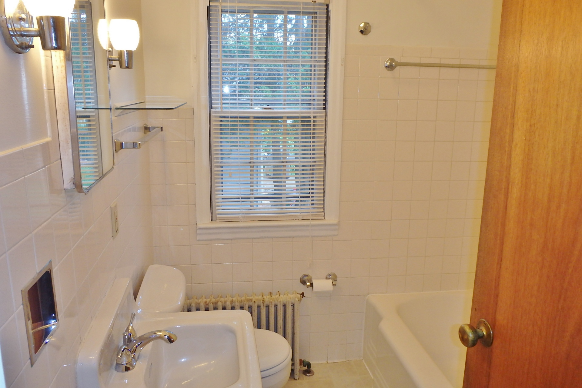 Bathroom photo of the 2-bedroom apartment for rent at 404 W. Fairmount Avenue, State College PA.