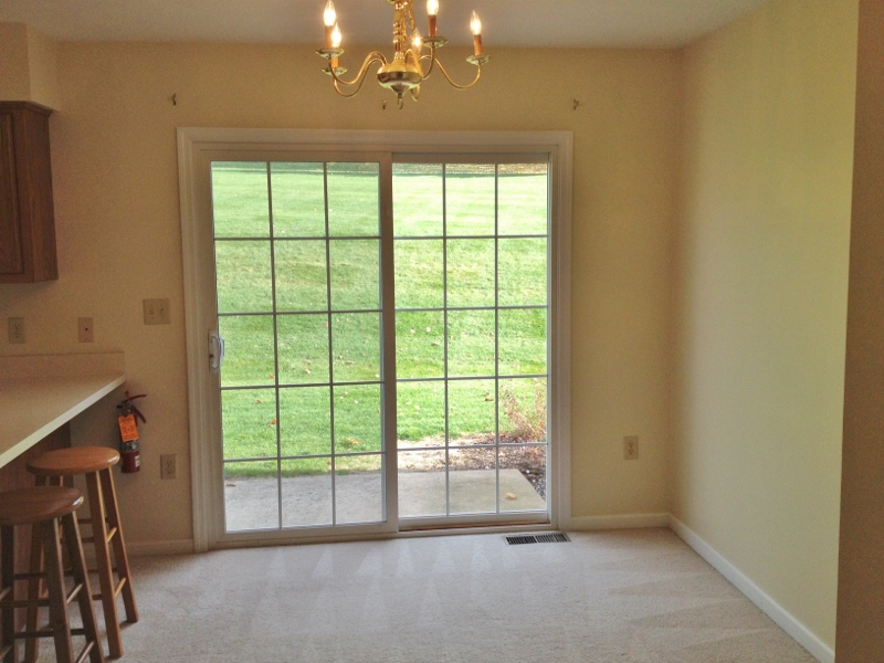 Dining area photo at 136 Birchtree Court.
