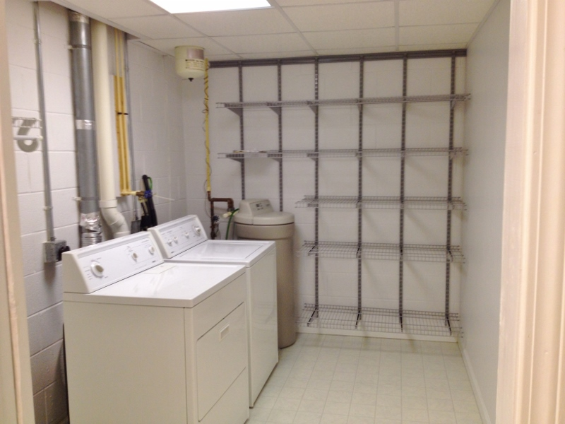 Laundry room photo at 136 Birchtree Court.