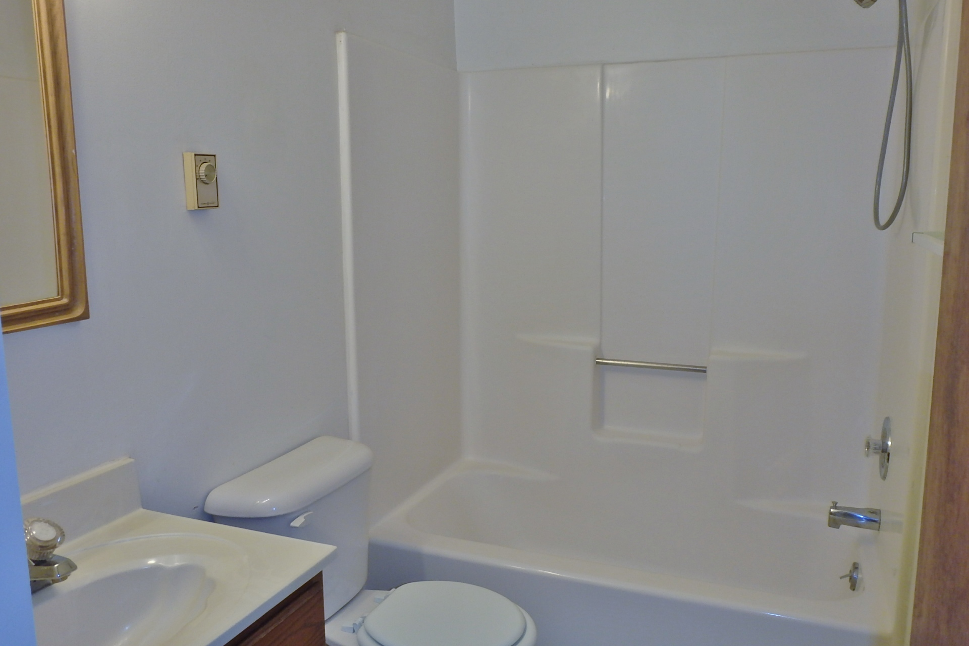 Bath room photo at 920-5 Southgate Drive, State College PA.