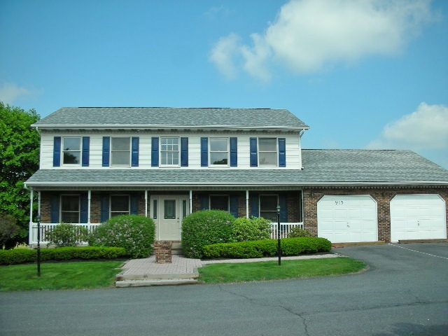 Street side photo for the Office Space for Rent at 915-A Benner Pike, State College PA