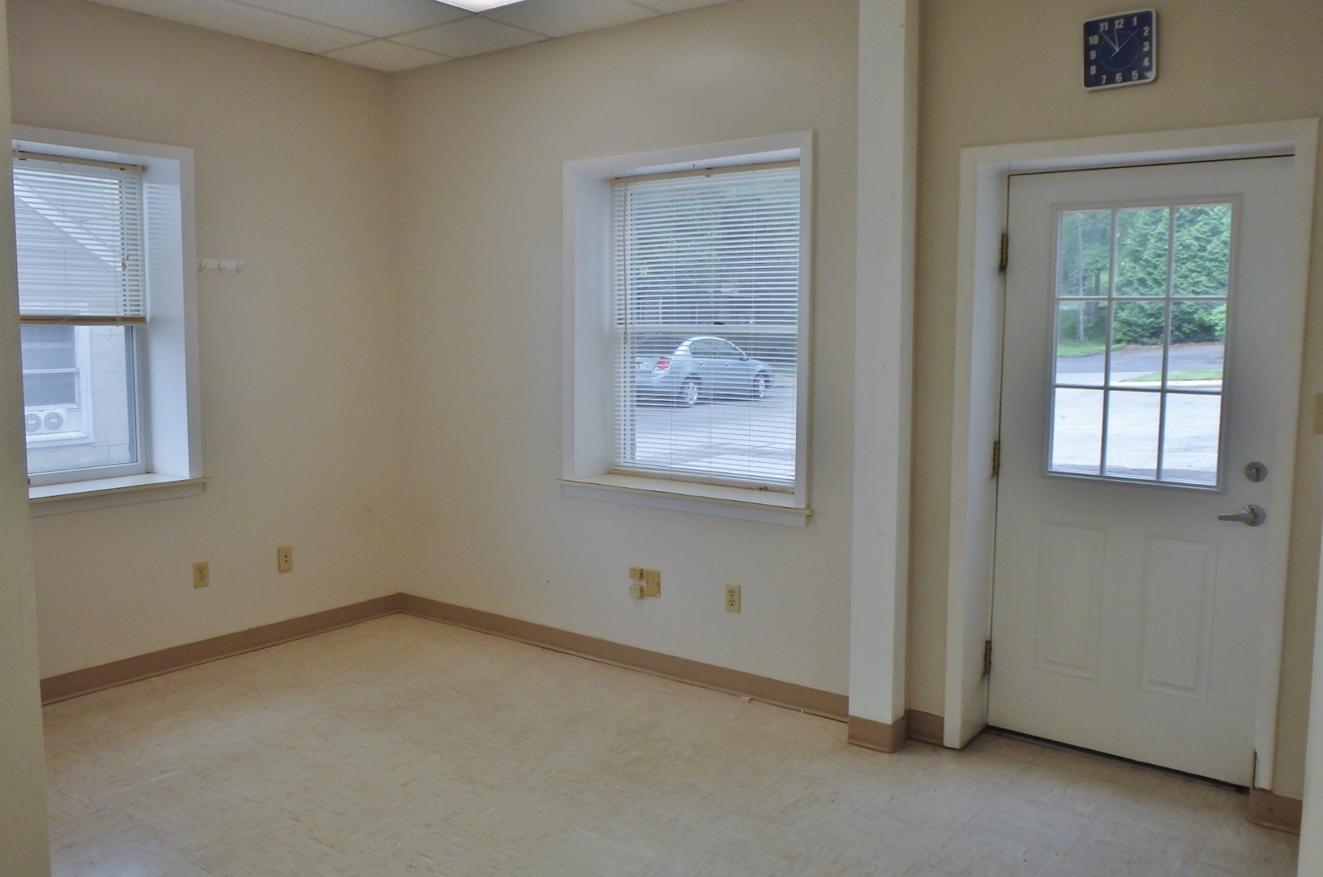 Front Room Photo: 1792 N. Atherton Street Commercial Space in State College PA