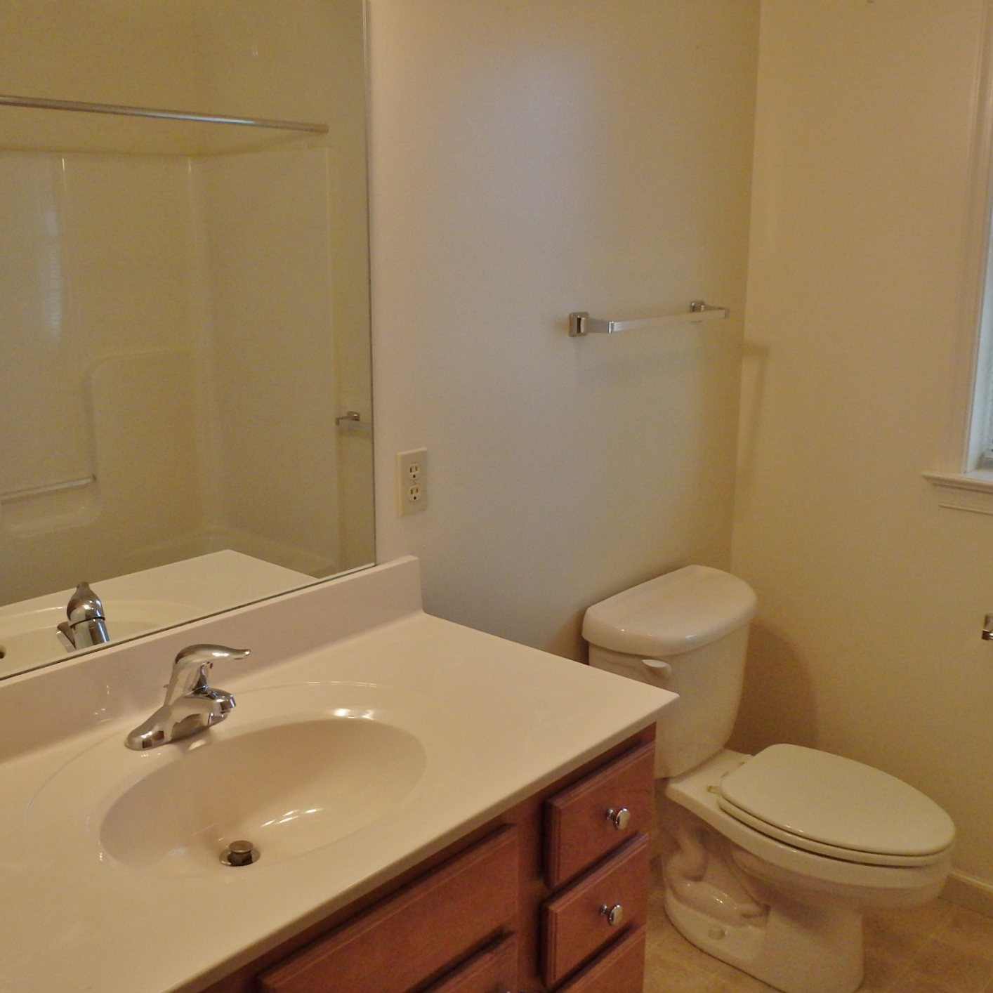 Bathroom photo of the 3-bedroom house for rent at 112 McKivison Court.