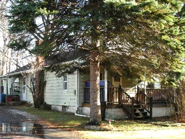 Front photo of the 3-bedroom house for rent at 1851 Weaver Street in State College PA.