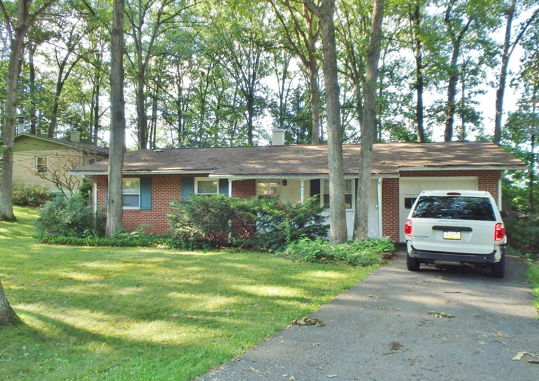 Featured photo of the 3-bedroom house for rent at 1915 N. Oak Lane, State College PA.