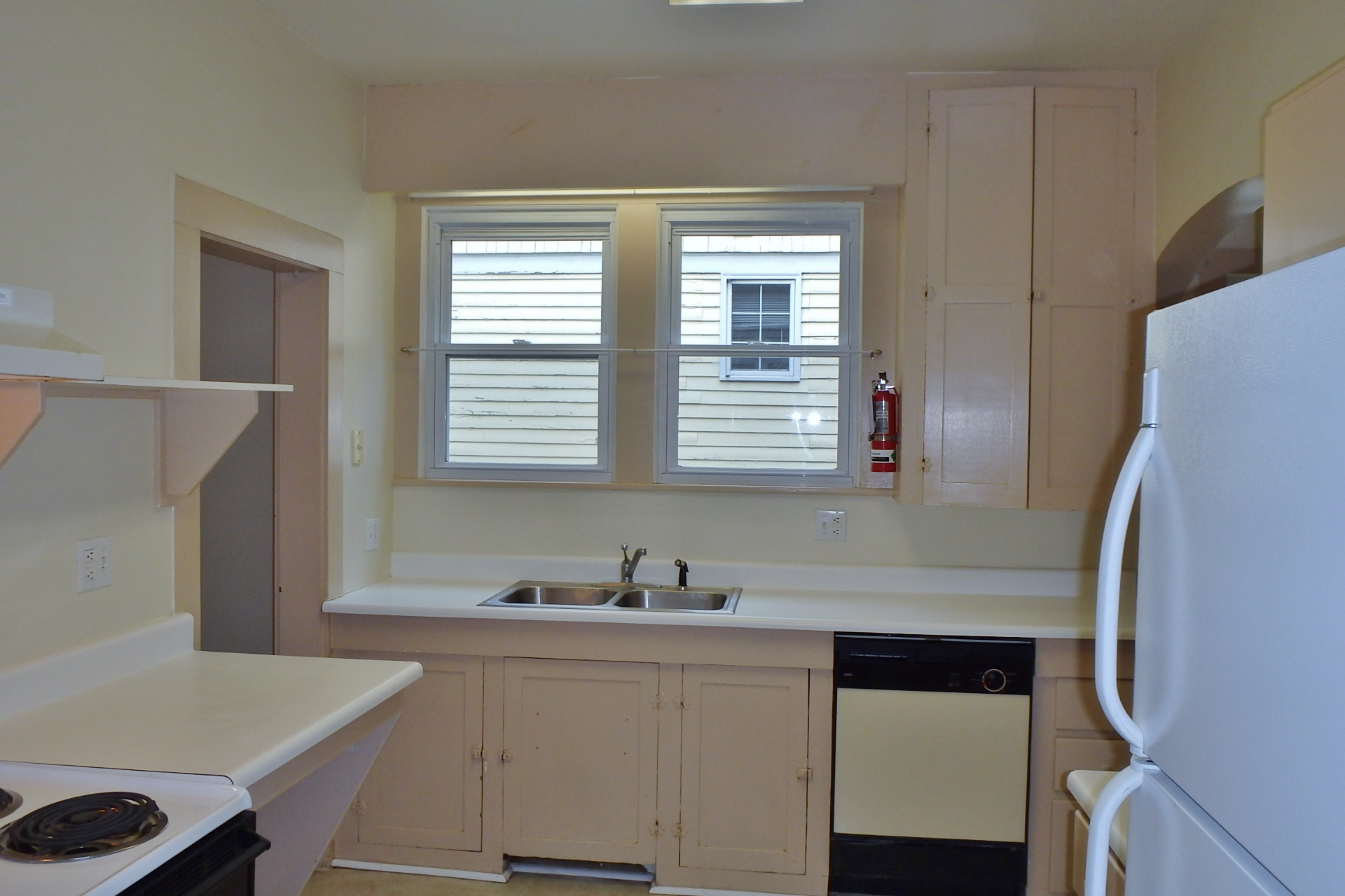 Kitchen photo of the house for rent at 250 S. Barnard Street, State College.