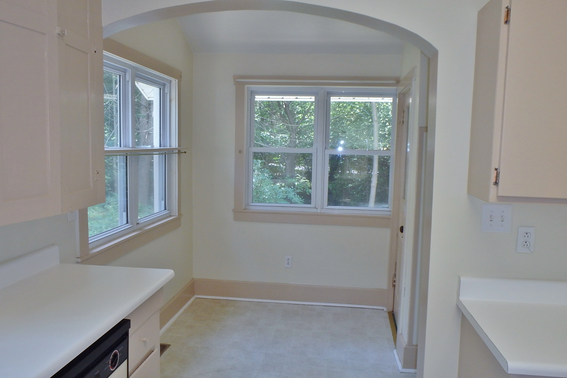 Breakfast nook photo of the house for rent at 250 S. Barnard Street, State College.