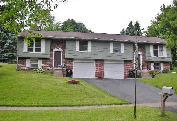 DUPLEX FOR RENT: 3-bedroom duplex for rent at 291 Easterly Parkway in State College, PA.