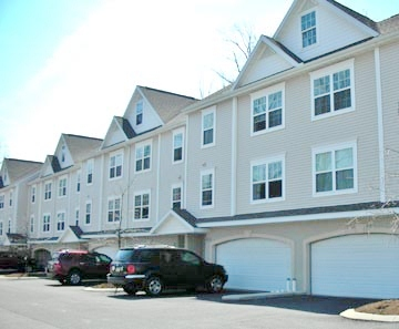 Front photo of the Kenley Court Townhouses in State College, PA.