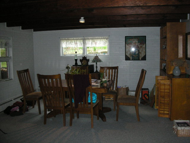 Dining room photo at 438 Glenn Road.