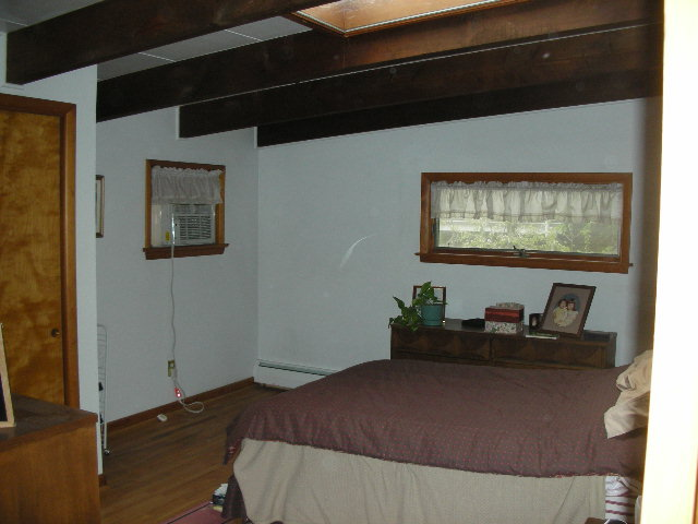 Bedroom photo at 438 Glenn Road.
