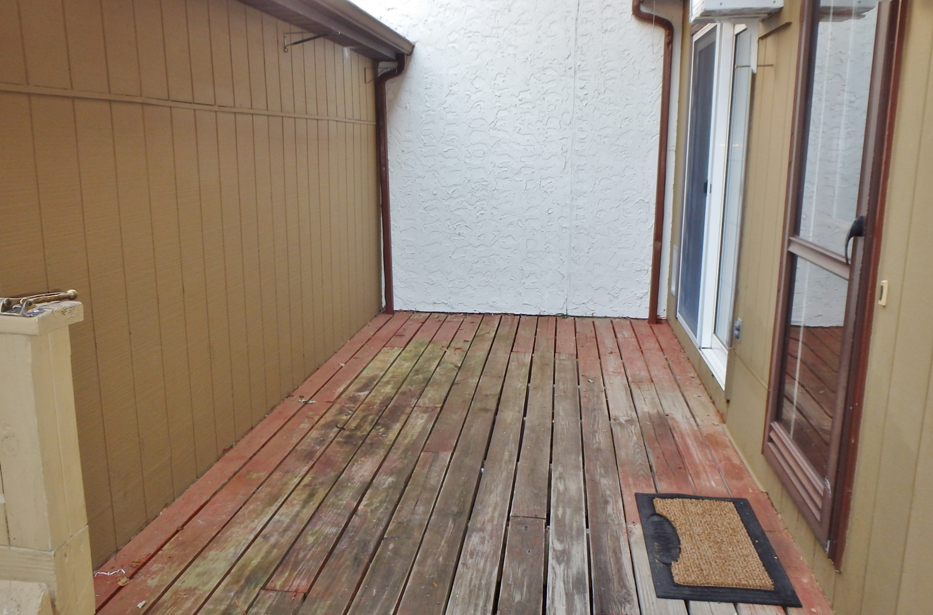 Deck photo at 862 W. Aaron Drive.