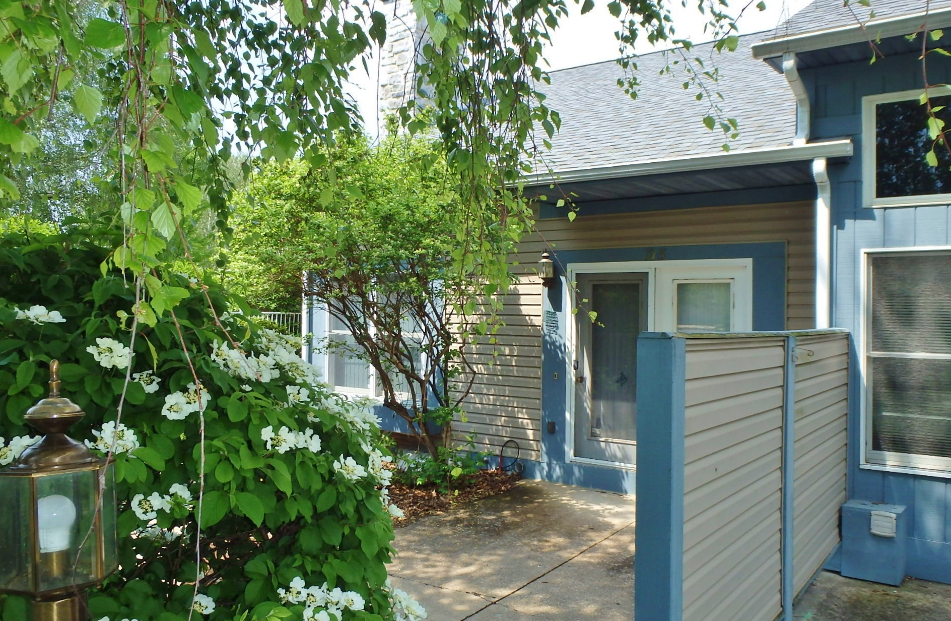 Featured photo of the 3-bedroom townhouse for rent at 715 Tussey View Lane.