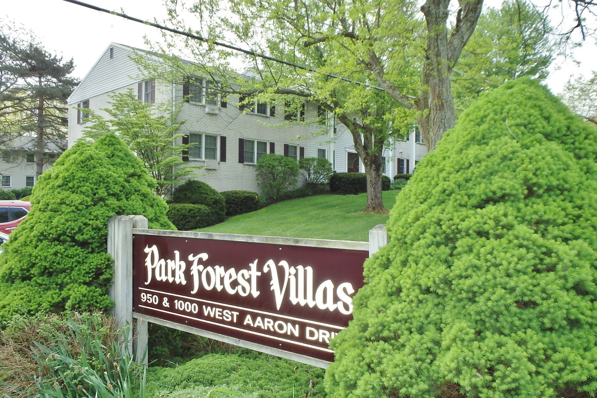 Park Forest Villas Sign