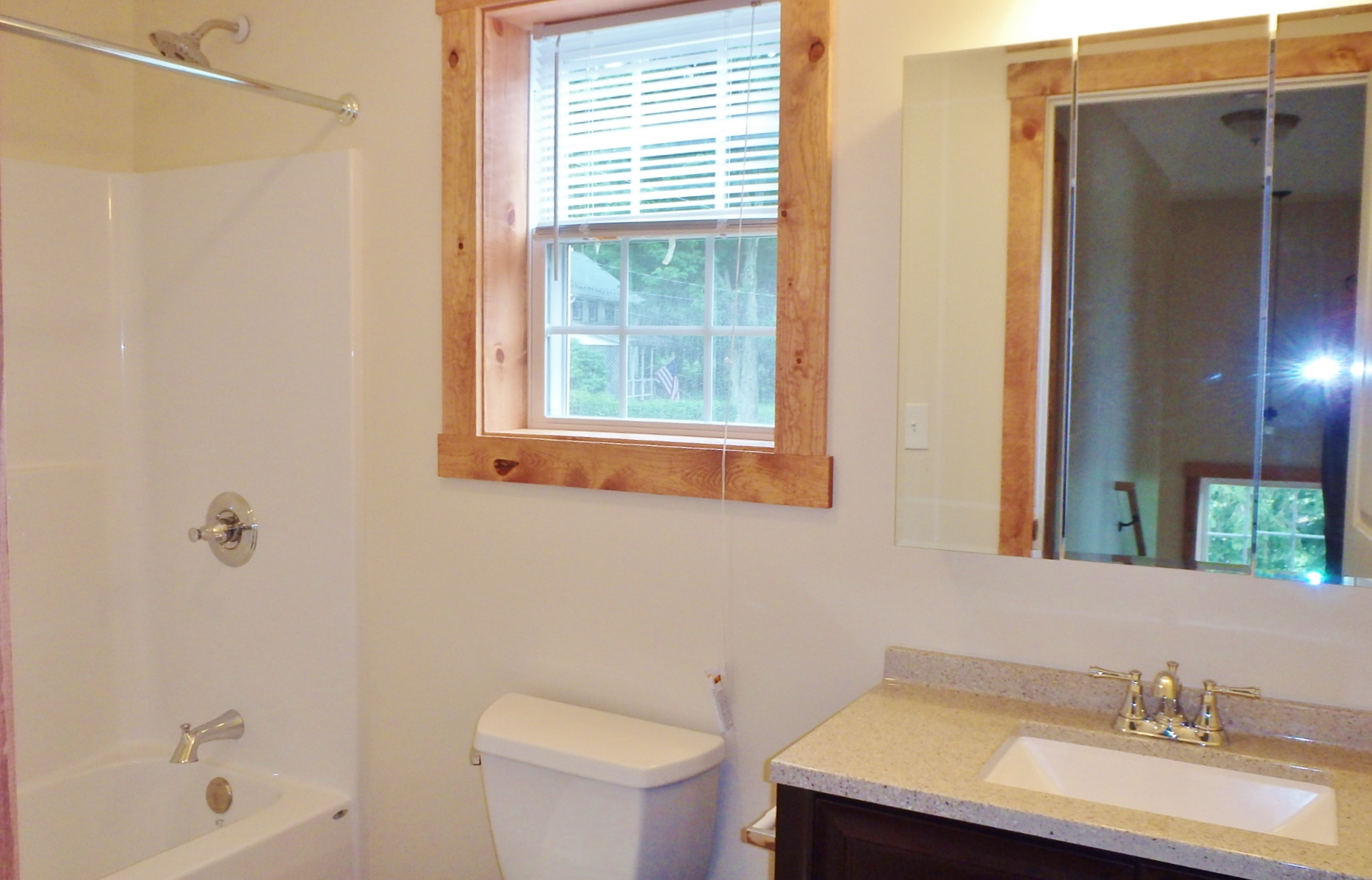 150 W. Ridge Lane Bathroom
