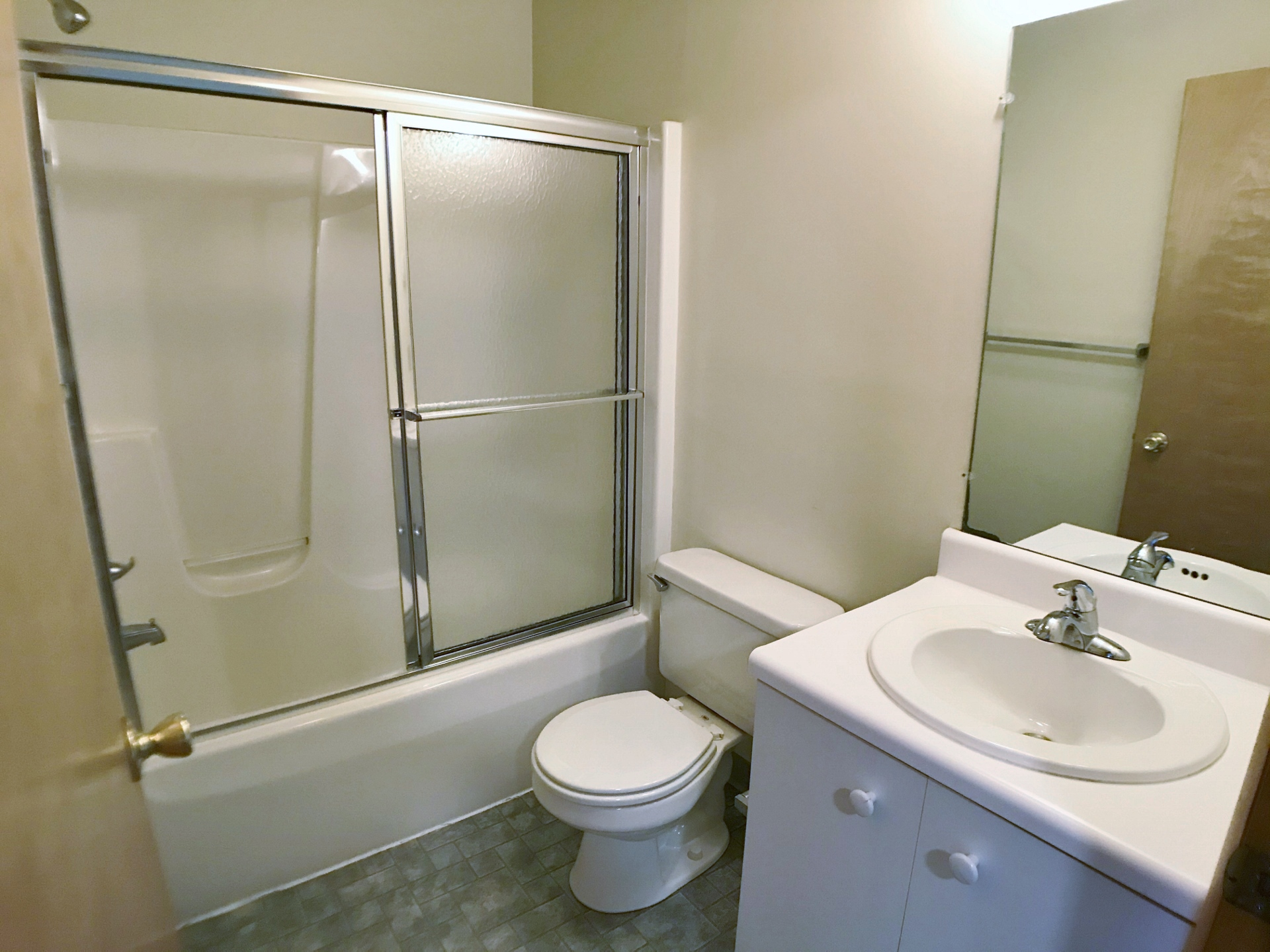 1960 Weaver Street #2 Bathroom 2