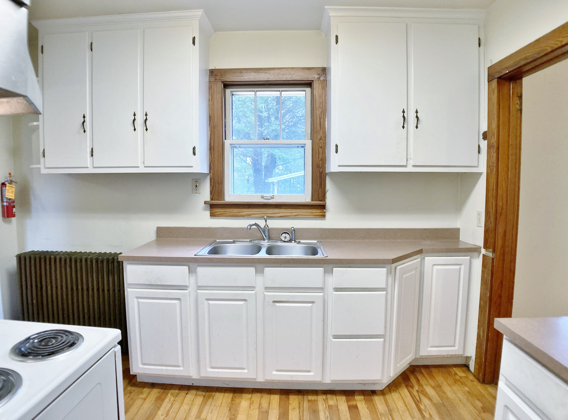 927 W. Beaver Avenue Kitchen