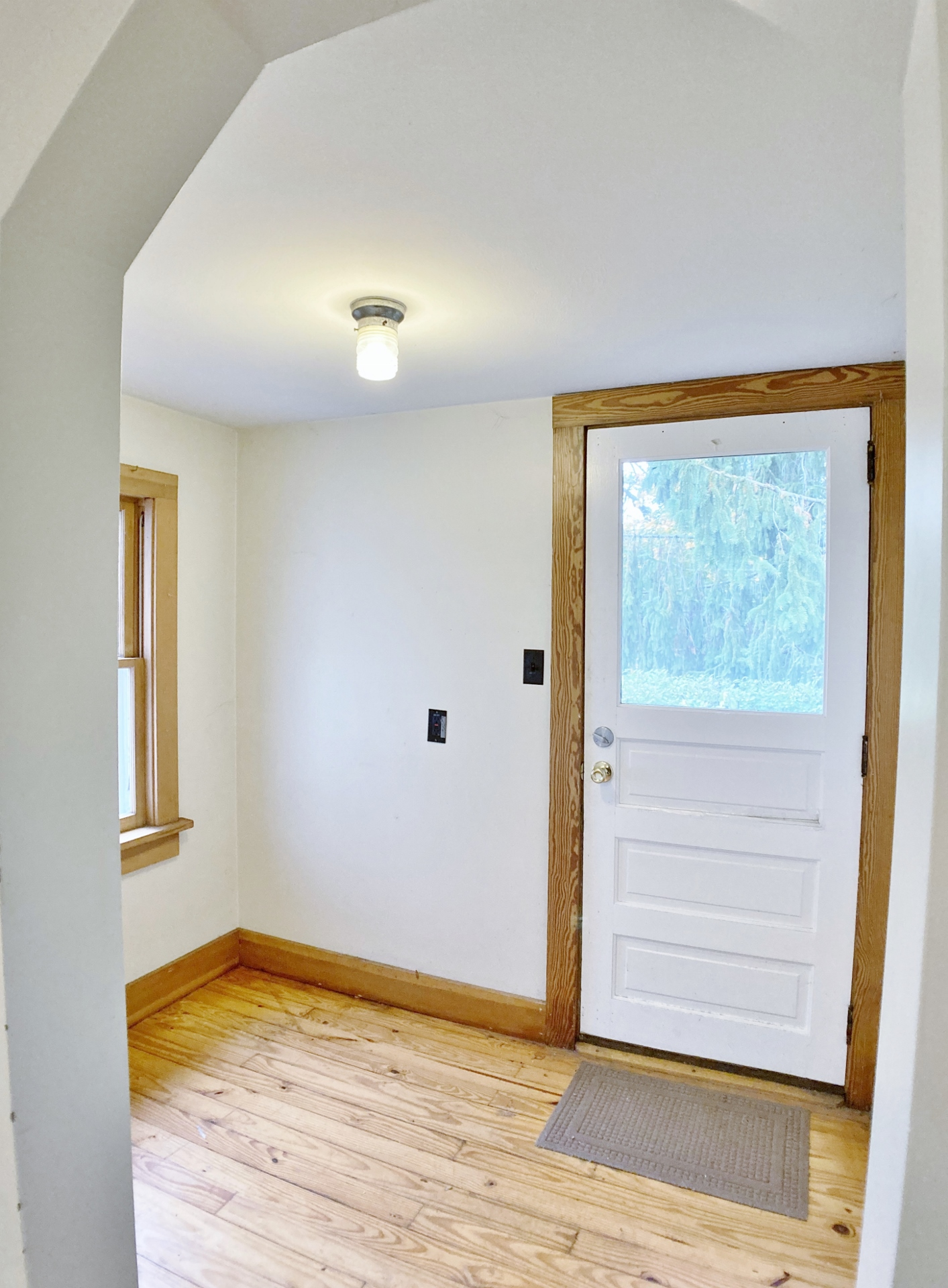 927 W. Beaver Avenue Mudroom