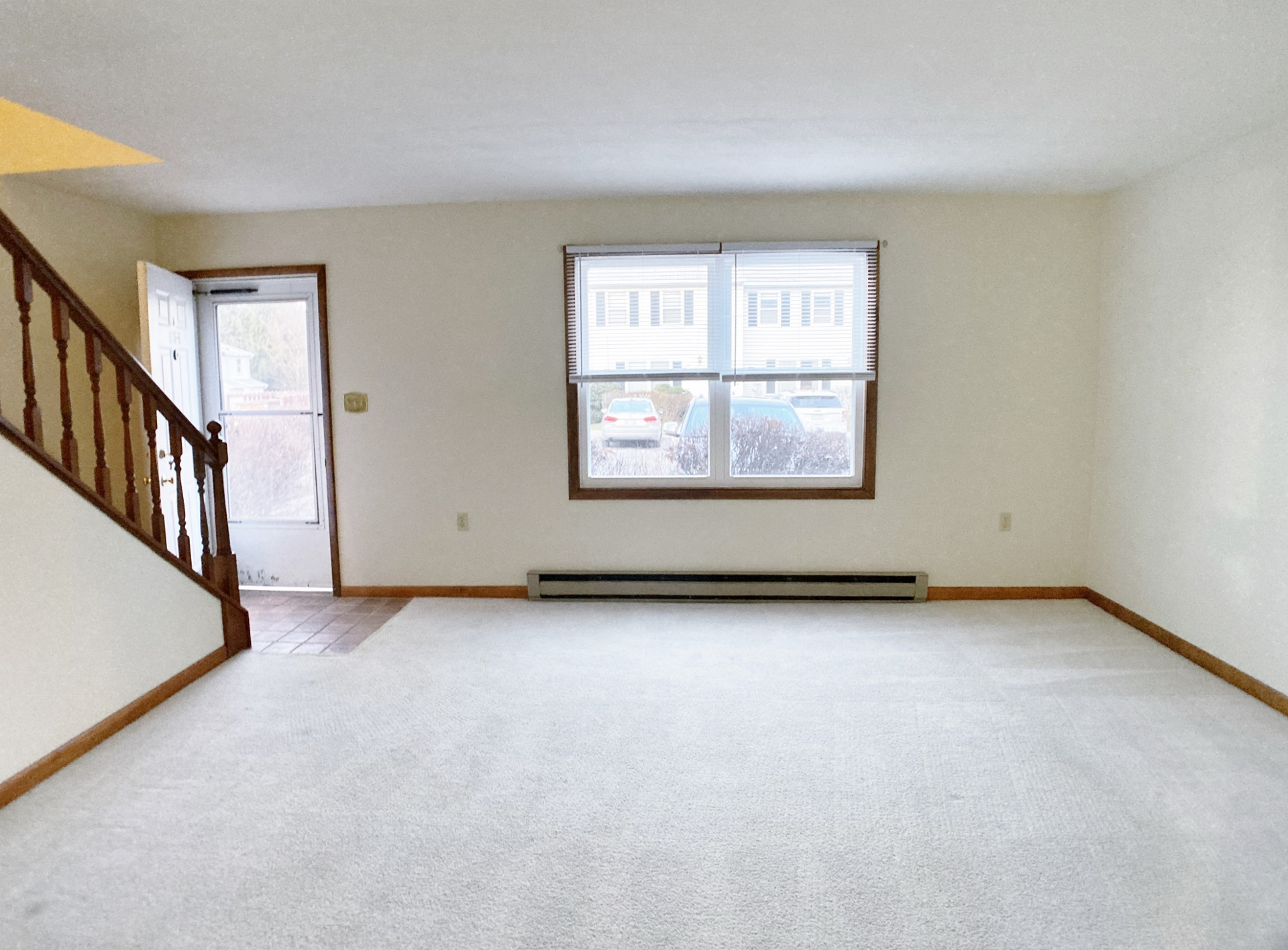 918-6 Southgate Drive Living Room