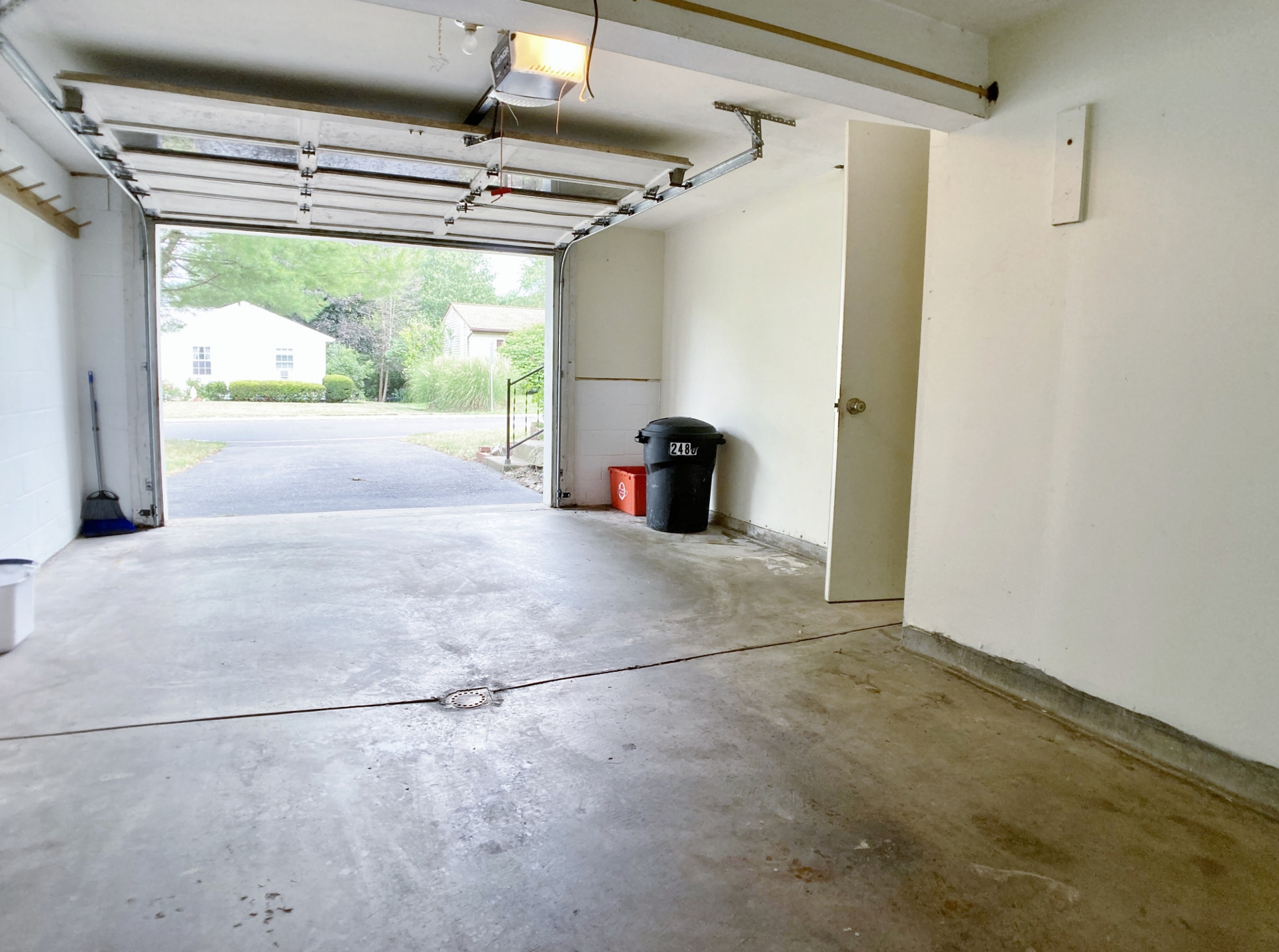 2480 Buchenhorst Road Garage